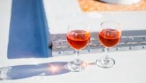 san-juan-cruises-chuckanut-bay-cracked-crab-cruise-wine-glasses